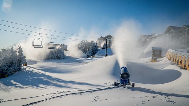 Snowmaking 1920-04807.jpg