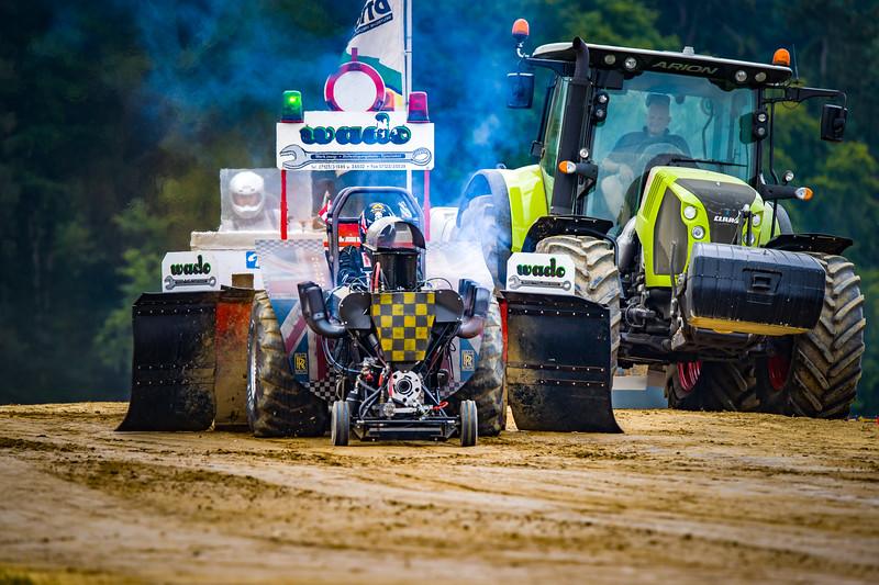Tractor Pulling 2015 BZ-02243.jpg