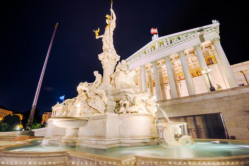 Österreichisches-Parlament-Fountain-Small.jpg