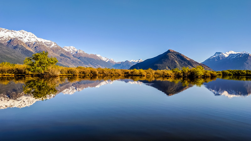 glenorch-mirror-pano-new-zealand.jpg