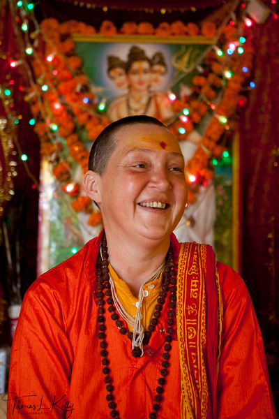 Sadhavi- Female Renouncer