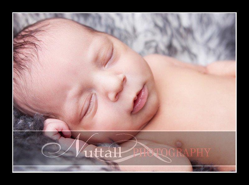 Noah Newborn 43.jpg