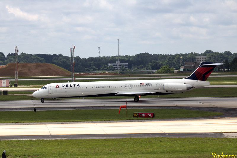 MD-88 s/n 49542 N911DL  Operating DL2141 to KORF (Norfolk) Operating DL2329 to KSEA (Seattle-Tacoma) Hartsfield-Jackson Atlanta, GA,    05/26/2018 This work is licensed under a Creative Commons Attribution- NonCommercial 4.0 International License