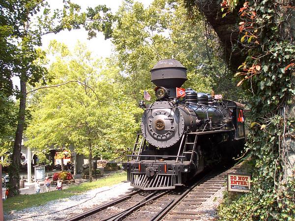 2004 08-17 Dollywood