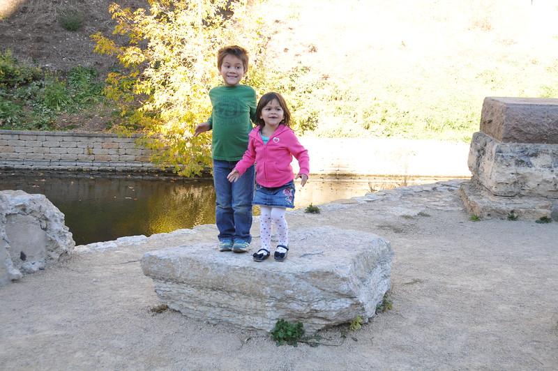 2014-10-25 Stone Arch Bridge 014.JPG