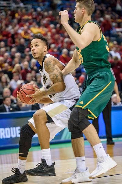3/16/17 NCAA Tournament, Vermont, Vincent Edwards
