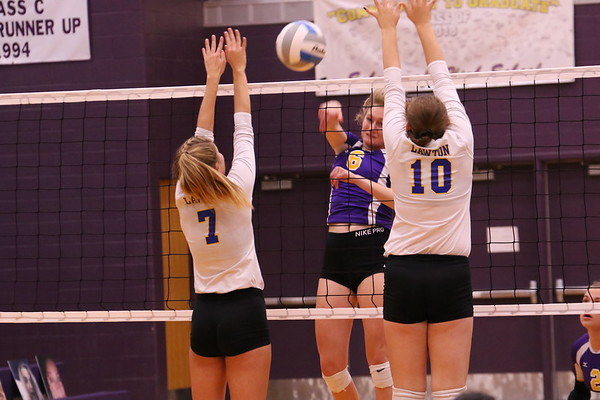 Volleyball Varsity Districts vs Lawton - KCHS - 10/29/18