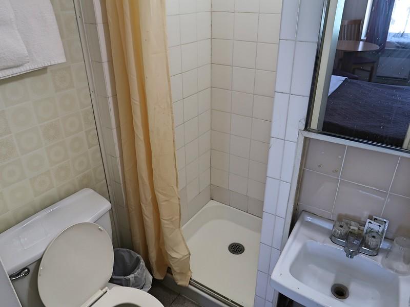 IMG_6917-casa-bella-bathroom.jpg