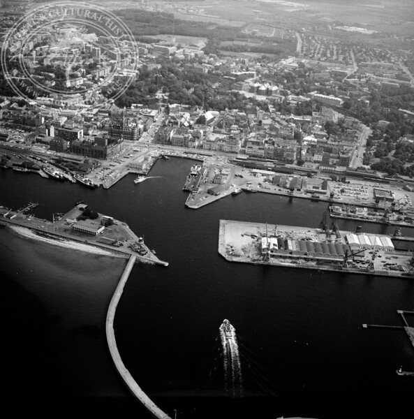 Helsingborg City with Harbor | EE.1197