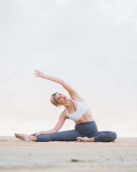 IG - Hawaii - Madeleine Russick - Yoga-473.jpg