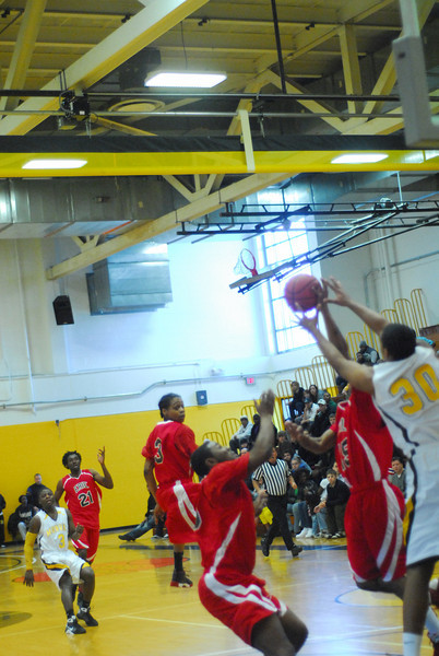 20090301_MCC Basketball_5602.JPG