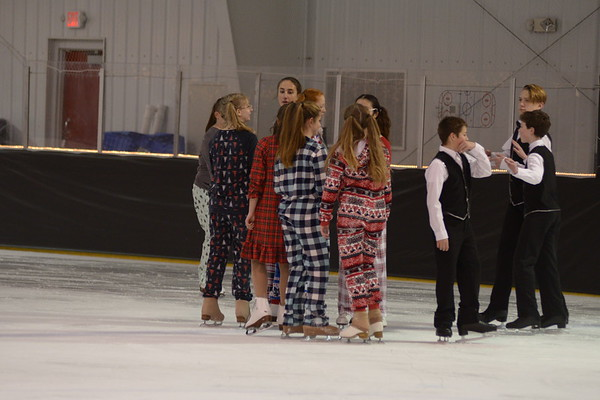 2017 Holiday Ice Show
