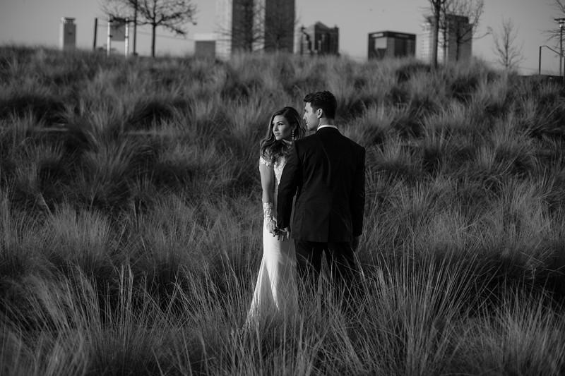 Kate&Josh_B&W_ZACH.WATHEN.PHOTOGRAPHER-467.jpg