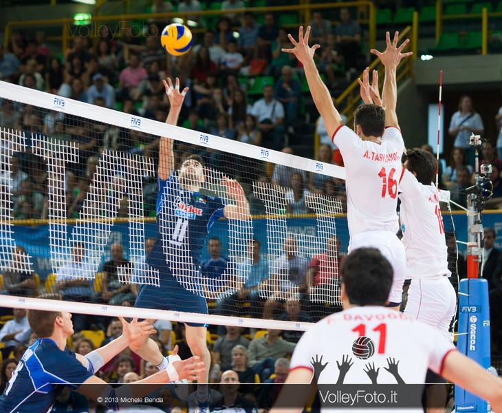 Savani attacca - Italia-Iran, World League 2013 - Modena