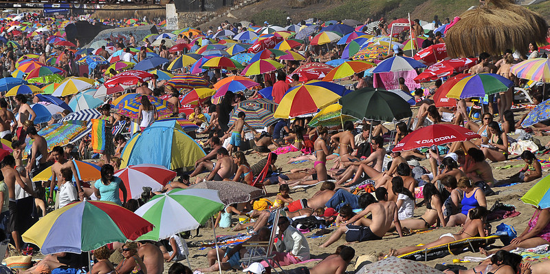 08 jan chile 3 vdm beach umbrellas.jpg