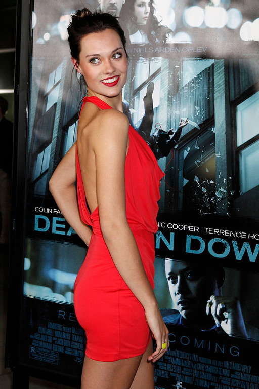 """. Model Laura James from \""""Americas Next Top Model\"""" poses at the premiere of the new film \""""Dead Man Down\"""" in Hollywood, California February 26, 2013. REUTERS/Fred Prouser"""