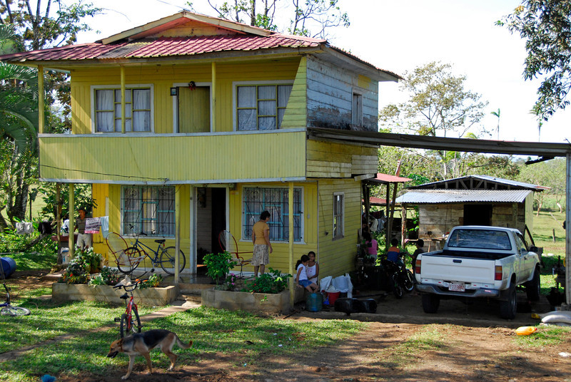080126 0205 Costa Rica - La Fortuna to San Ramone Bus Trip _L ~E ~L.JPG