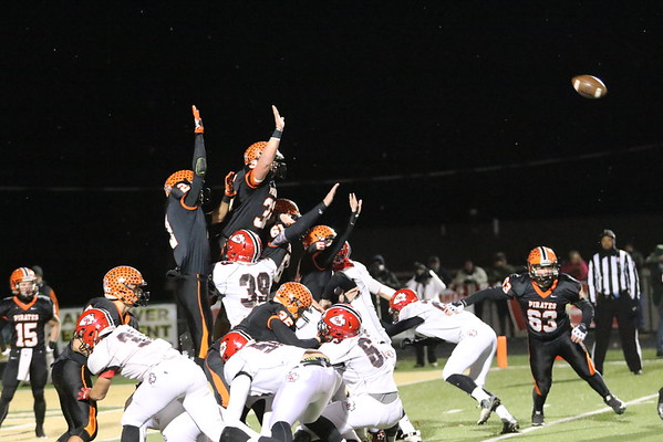 13a Football:  Wheelersburg vs. Coshocton at Athens 2016:  FIRST Quarter