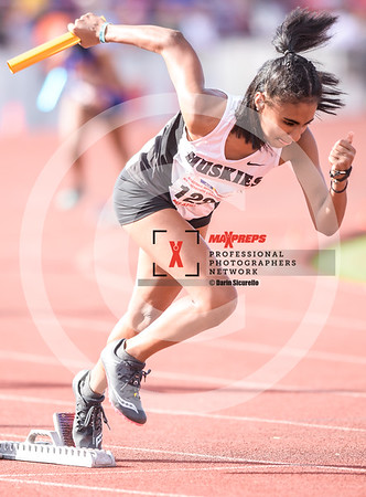 maxpreps.Track18.Wed.Pre.Girls.Run.Relay