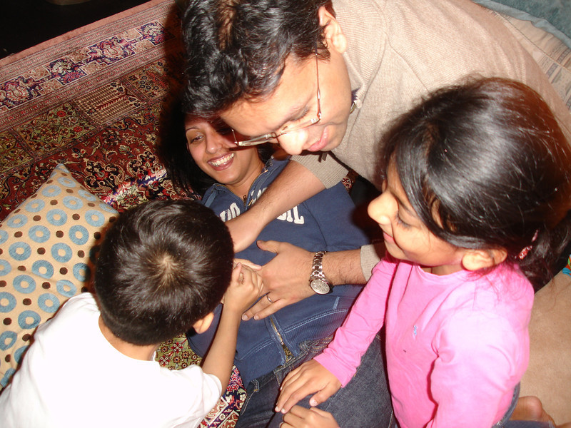 swati and kids in London 2008 109.JPG