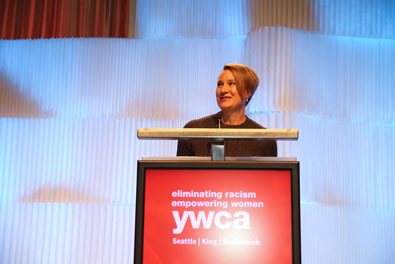 YWCA-Bellevue-16-1076.jpg