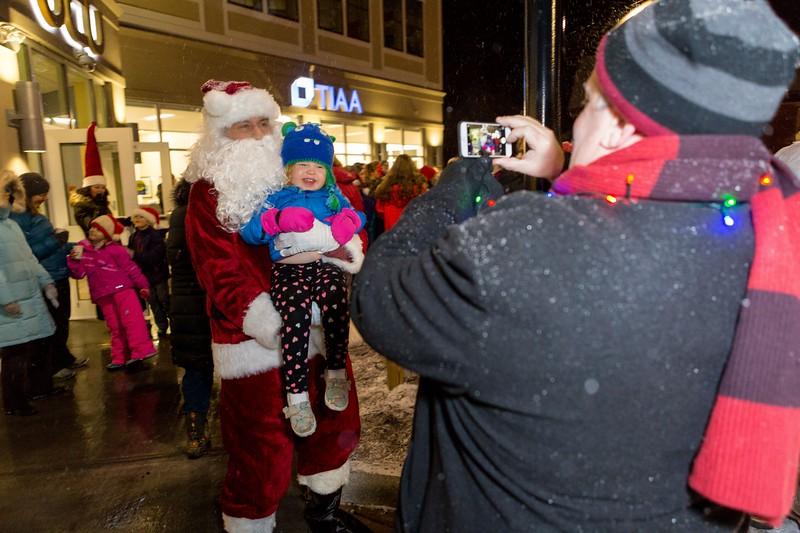Orono-Festival-of-Lights-022.jpg