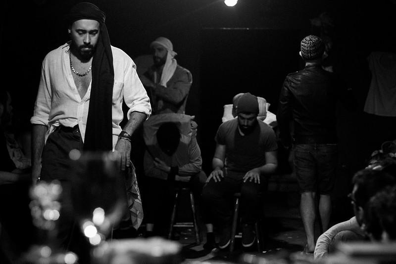 Allan Bravos - Fotografia de Teatro - Indac - Migraaaantes-135-2.jpg