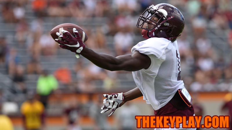 Wide receiver Isaiah Ford (1) makes a one handed catch during practice. (Michael Shroyer/ TheKeyPlay.com)