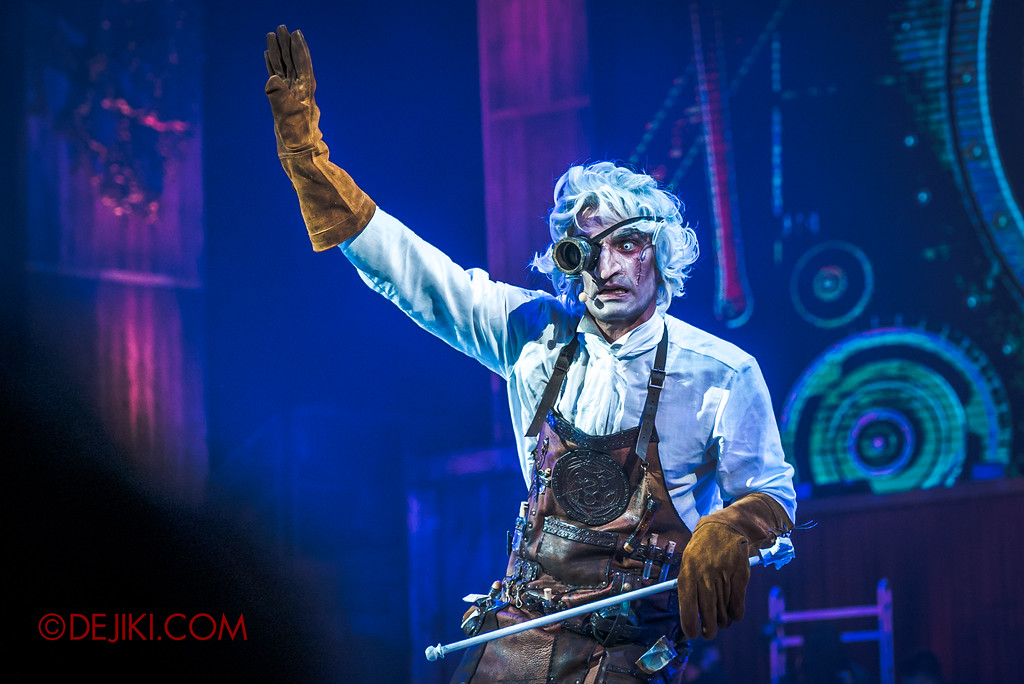 Halloween Horror Nights 7 Review - Laboratorium show / Dr. White