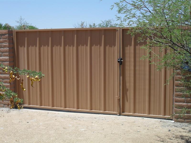 SDC10219 R Paenel Dual Gate.jpg