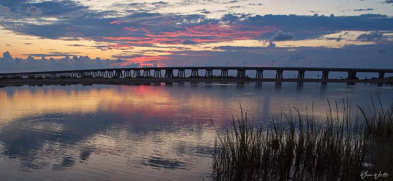 20190910_San_Luis_Pass_Sunrise_Bridge_750_2563.jpg