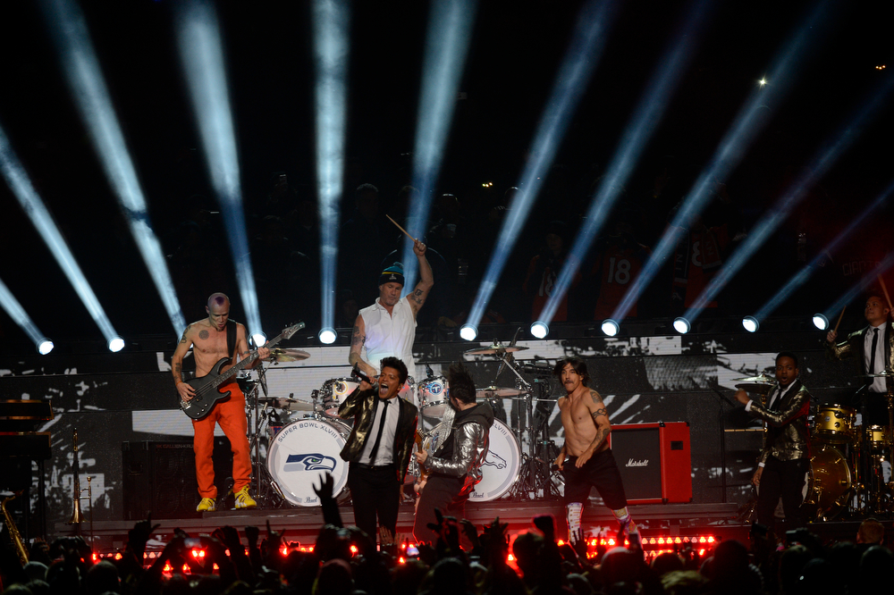 . Bruno Mars and the Red Hot Chili Peppers perform during the halftime show at Super Bowl XLVIII at MetLife Stadium in East Rutherford, New Jersey Sunday, February 2, 2014. Photo by Joe Amon/The Denver Post)
