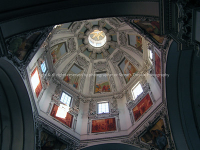 025-building_detail-salzburg_austria-19dec04-5055