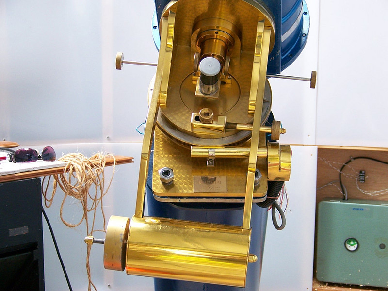 "This instrument features the ""Porter"" or ""Springfield"" Mount. This is essentially a telescope that moves about the eyepiece which is stationary.  The advantages  are clear for people who have limited access to  the telescope.  You can remain in a wheel chair and observe  from what is basically part of a declination shaft!!"