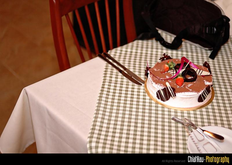 Our BD Galz's BD cake! (It is a Tiramushu Cake). :) Yum Yum...