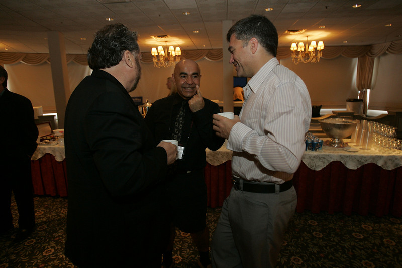 (L-R) FiRe chair and SNS CEO Mark Anderson; Kamran Elahian, chair and co-founder, Global Catalyst Partners, and chair of Beceem Communications; and Martin Tobias, past CEO, Imperium Renewables