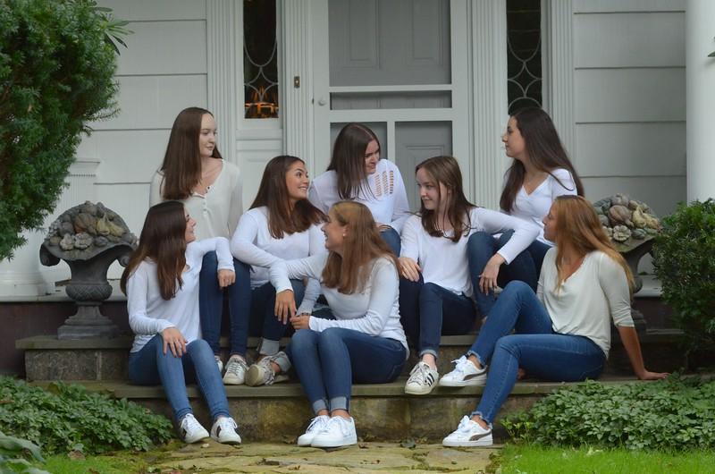 Julia Friend Group Pics - 46 of 308.jpg