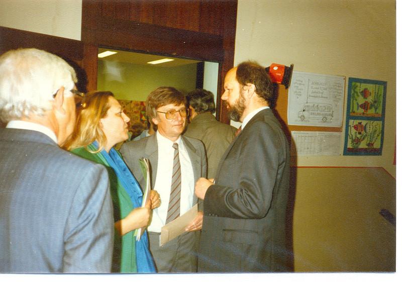 1986 Preisverleihung durch Kultusminister Breitenbach (5).jpg