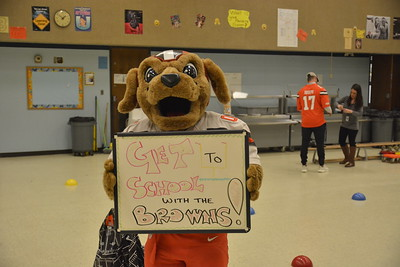 Cleveland Browns @ Clark Elementary School 11-27-2018