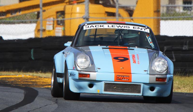 Classic24-2015_4937-#9-Porsche911.jpg
