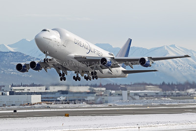 Boeing 747 Large Cargo Freighter (Dreamlifter)