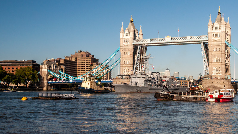 French frigate Latouche-Tréville at Tower Bridge
