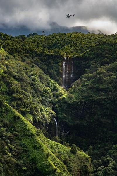 waterfall_heli.jpg