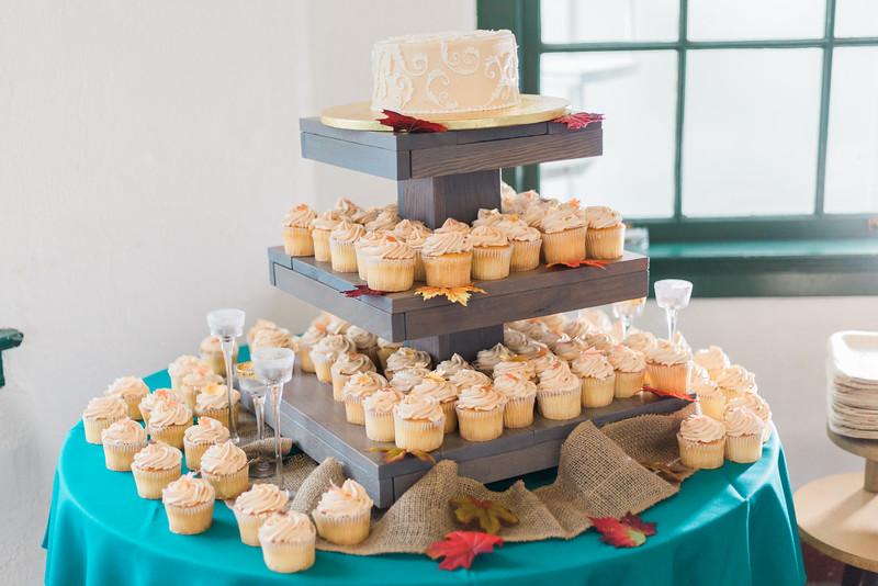 ELP1015 Tara &Phill St Pete Shuffleboard Club wedding reception 14.jpg