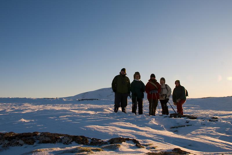 Hópurinn stillir sér upp á Hverahlíðinni, Ingvi, Aðalbjörg, Álfhildur, Þorbjörg og Erna