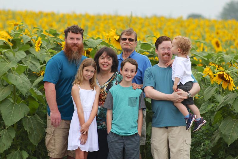 FamilySunflowers_ 141.jpg