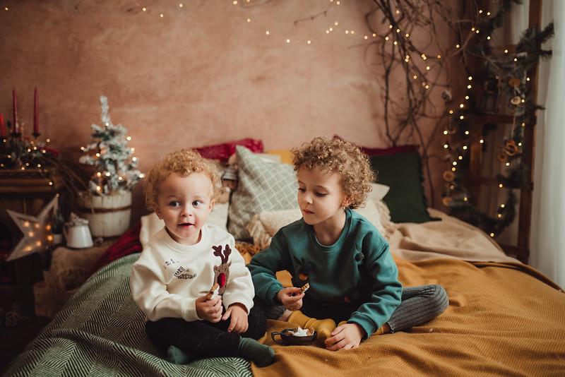 Maria si Rares Craciun 2019_Catalina Andrei Photography-17.jpg