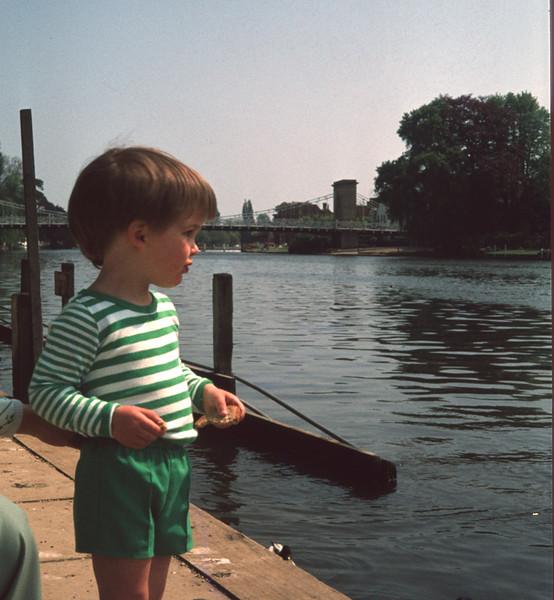 Stuart Marlow River Thames 005 copy.jpg