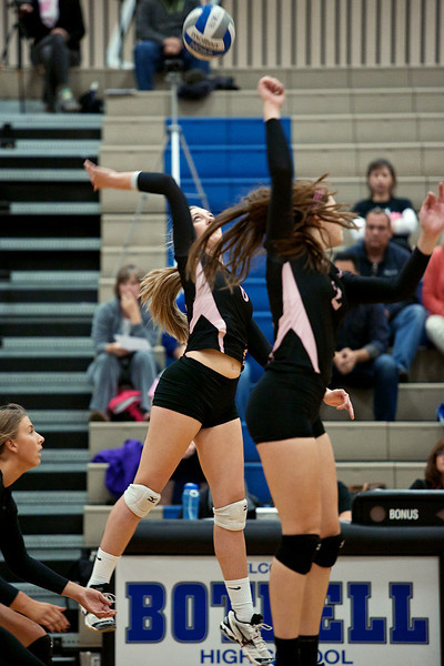 BHS Volleyball v Issaquah 10.7.13
