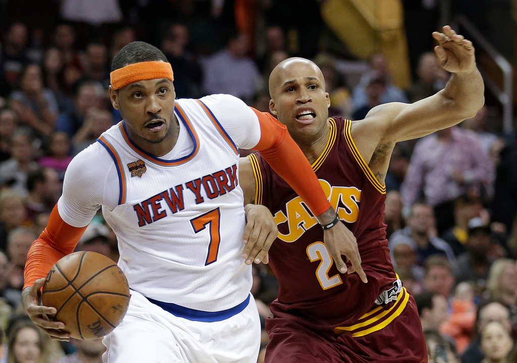 . New York Knicks\' Carmelo Anthony (7) drives against Cleveland Cavaliers\' Richard Jefferson (24) in the second half of an NBA basketball game, Thursday, Feb. 23, 2017, in Cleveland. The Cavaliers won 119-104. (AP Photo/Tony Dejak)